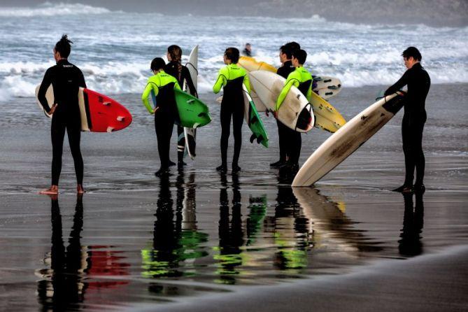 Escuela de surf: foto en Donostia-San Sebastián
